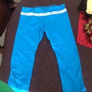 lululemon crop leggings!